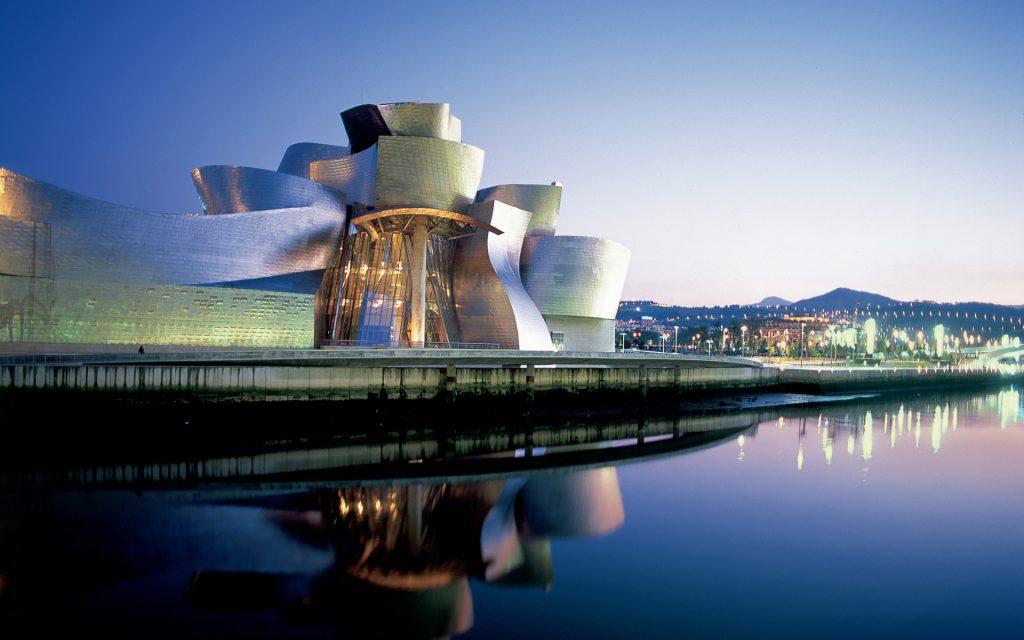Guggenheim Museum in Bilbao Transfer Hotel Gran Bilbao